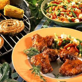 grilled-chicken-wings-sausages-and-corn-601378.jpg